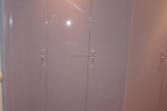 Глянцевые, распашные дверки для встроенного шкфаф фасады