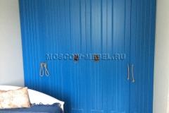 Распашной шкаф в синем цвете. Материал фасадов мдф