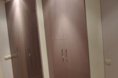 Шкаф с дверками из глянца