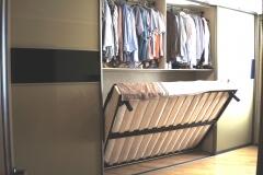 Шкаф купе со встроенной кроватью