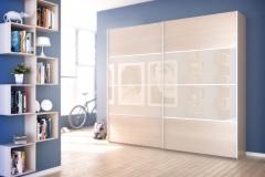 Шкаф купе. Раздвижные двери с верхнеподвесной системой направляющих. Вставки на дверях из лдсп и стекла