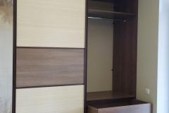 Встроенный шкаф. Секция с выдвижными ящиками