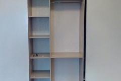 встроенный шкаф из белого глянца