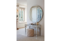 Зеркальный туалетный столик