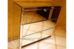 комод-зеркальный-с-выдвижными-ящиками